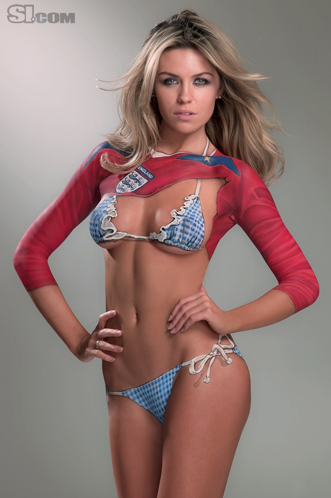 Abigail_Clancy_Body_Paint_SI_2010_Swimsuit_Issue_004