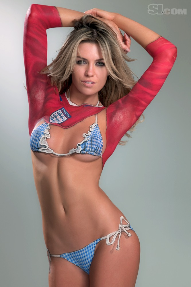 Abigail_Clancy_Body_Paint_SI_2010_Swimsuit_Issue_009